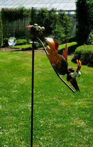 windspiel wippe gartenstecker kleine wilde v gel garten vogel metall gartendekorationen shop. Black Bedroom Furniture Sets. Home Design Ideas