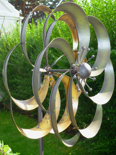 Windspiel gartenstecker windrad garten figur metall wind - Metall fa r den garten ...