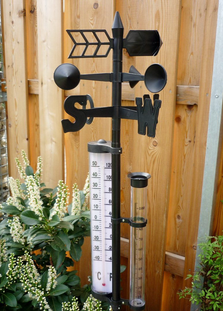 wetterstation thermometer regenmesser garten witterungsbest ndiger kunstoff 145cm. Black Bedroom Furniture Sets. Home Design Ideas