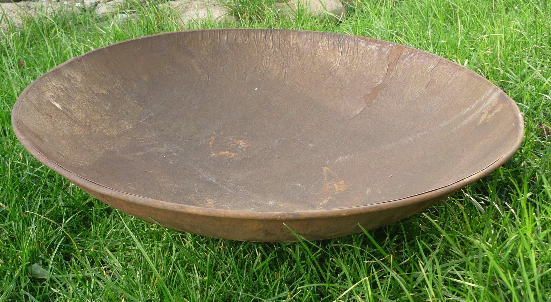 Schale auf kugeln pflanzschale rostoptik edelrost metall for Gartenskulpturen metall rost