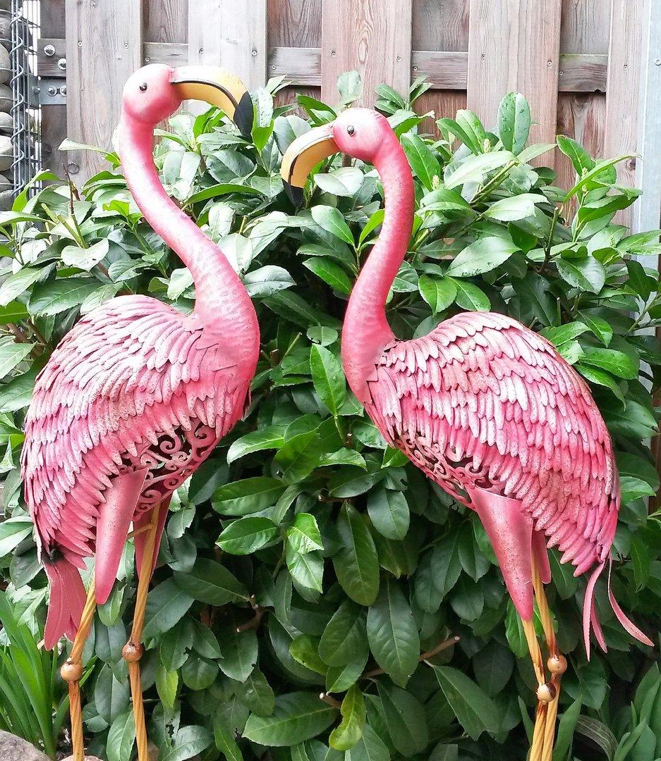 flamingo 2er set gartenfigur metall figur bunt deko vogel garten gartendekorationen shop. Black Bedroom Furniture Sets. Home Design Ideas