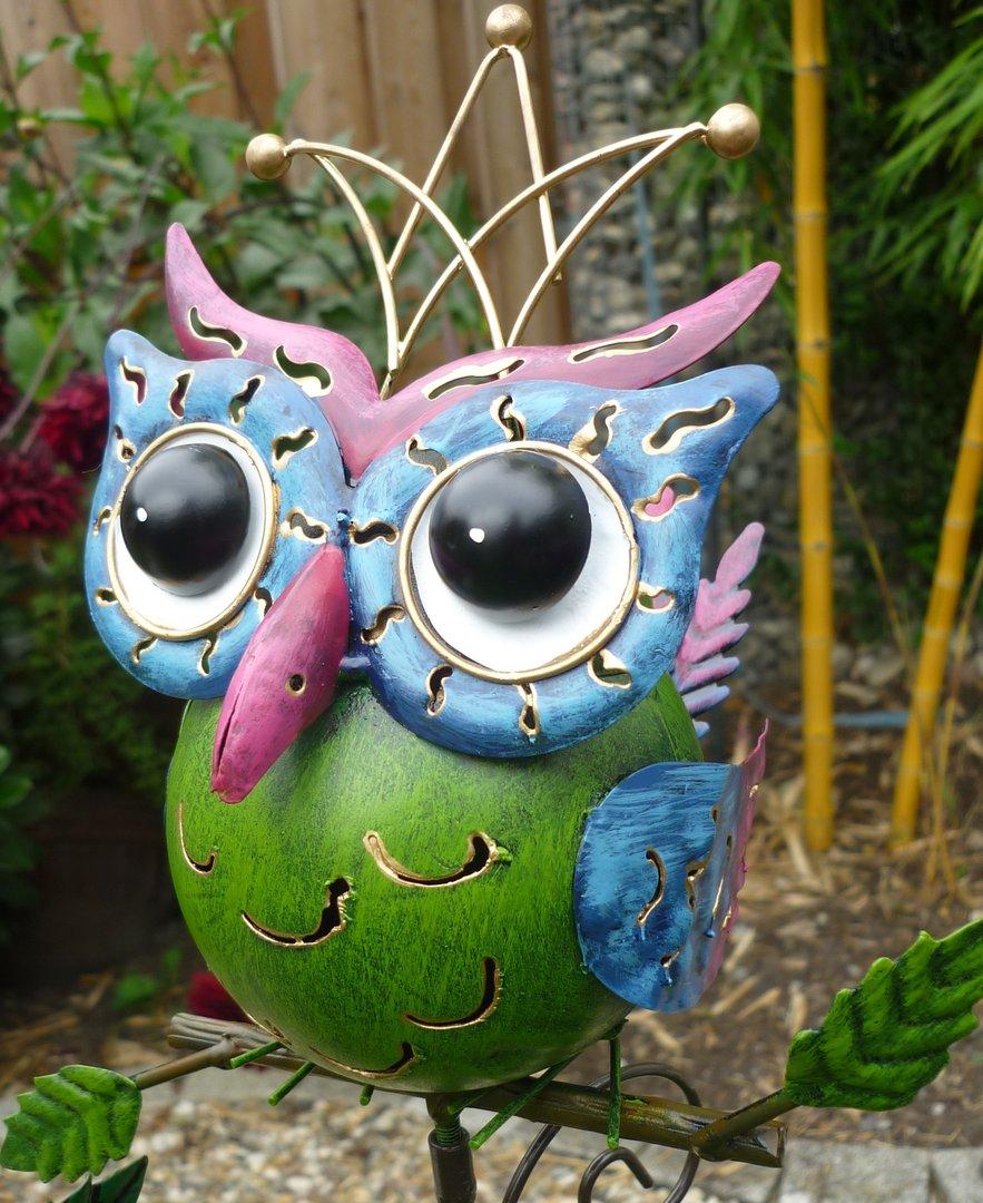 Garten figur 2er set kleine freche eule metall bunt deko for Deko vogel garten
